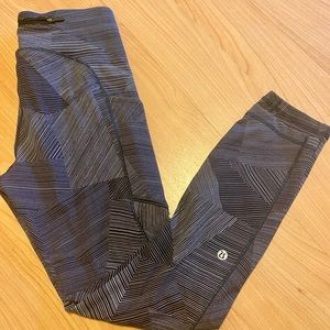 Fast and Free lululemon size 6